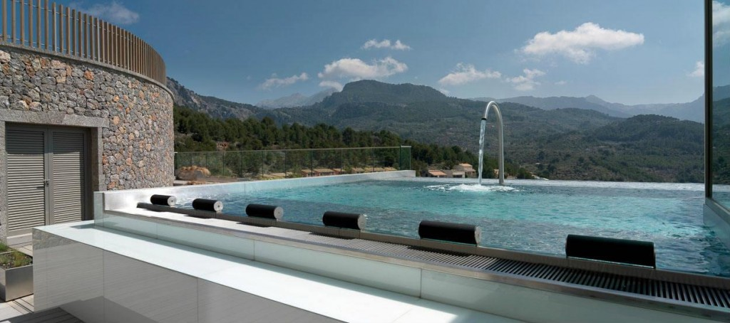 jumeirah-port-soller-hotel-spa-talise-spa-hydropool-mountain-view-hero